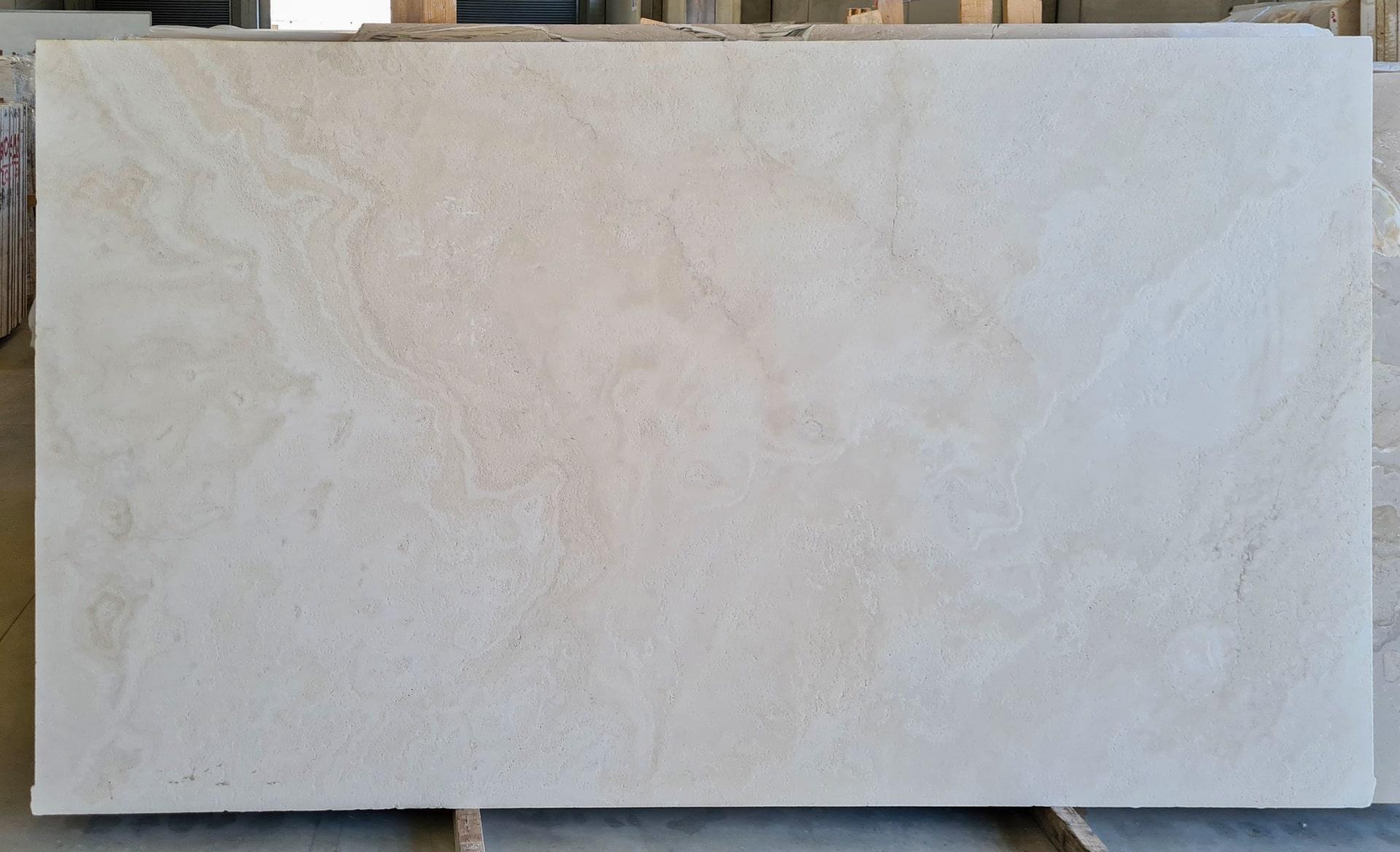 bianco navona 02 travertino evola marmi